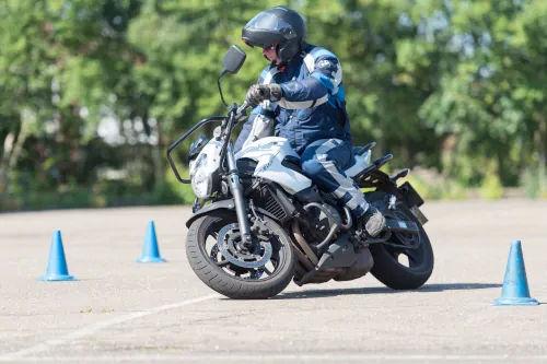Motorrijbewijspoint Almere motor rijtest